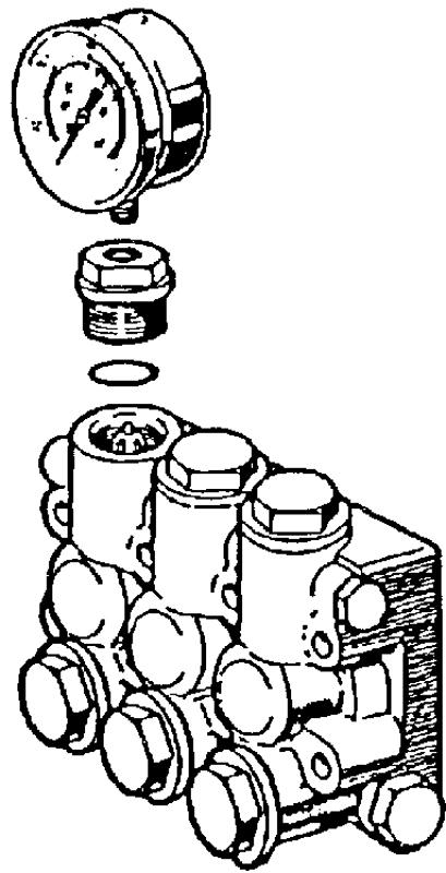 pressure gauge port for all pumps