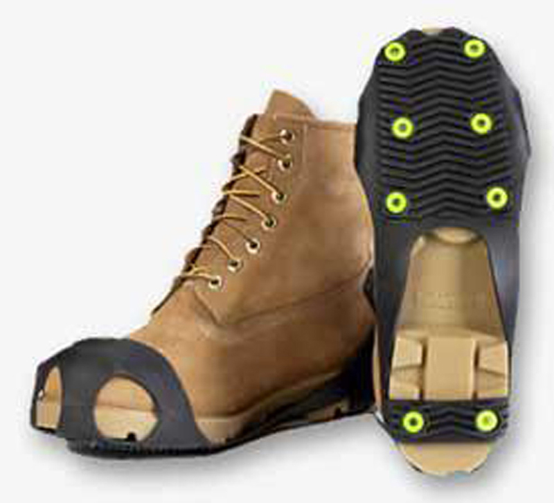 safety shoes for the roof cleaning industry walking on